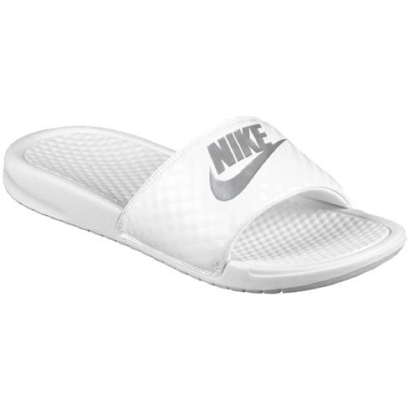 4a61db7d0c584 NEW Nike Benassi JDI White Slides. M 5ad8e13ffcdc31495f1245a0